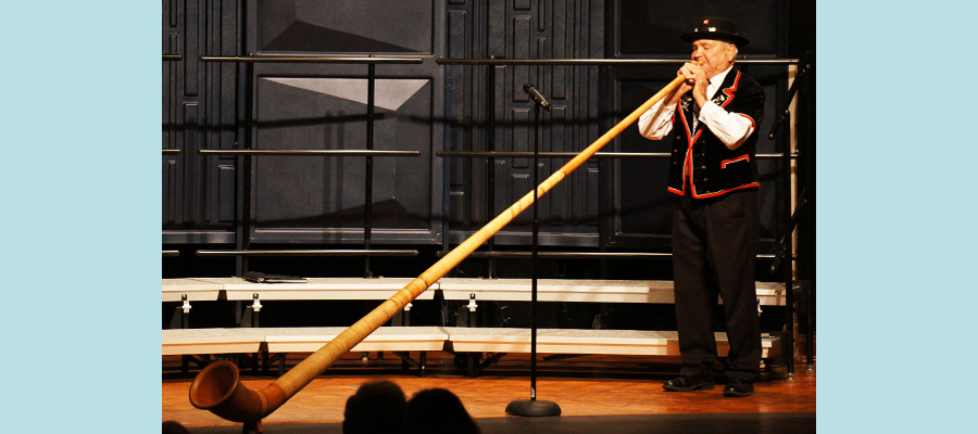 "Concert Opening with Ernie Kneubühler's Alphorn</span><span style=""color: #000000;\""><span style=\""font-family: arial,helvetica,sans-serif; font-size: 10pt;\"">"