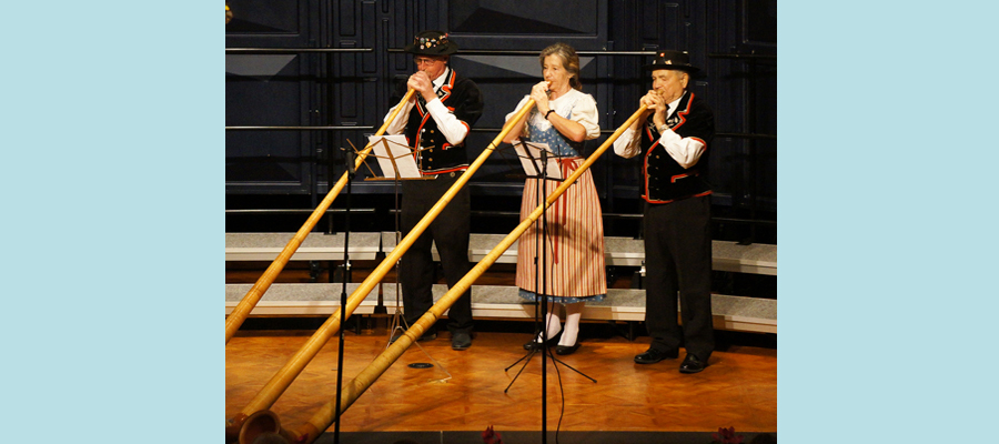 Concert Opening Alphorn Performance by Franz Stadelmann, Nelly Wyss and Ernie Kneubühler